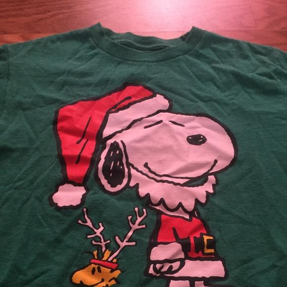 boys size s small peanuts snoopy christmas shirt